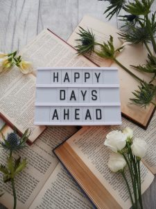 HAPPY-DAYS-AHEAD-sign